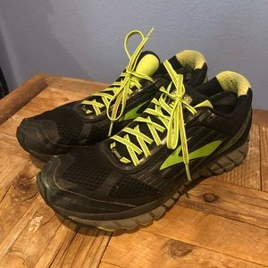 Brooks Ghost 9 with Gore-Tex 14M